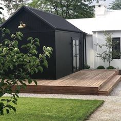 Have you jumped on the dark exterior bandwagon? 🙌🏼 Currently obsessed with design and style. And that brass… Salons Cottage, House Extensions, Black House, Black Shed, Black Barn, House Colors, Exterior Design, House Paint Exterior, Black Exterior