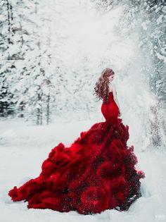 fashion-forward bridal portrait in the snow is off the charts beautiful! This fashion-forward bridal portrait in the snow is off the charts beautiful!This fashion-forward bridal portrait in the snow is off the charts beautiful! Fantasy Gowns, Colored Wedding Dresses, Bridal Portraits, Beautiful Gowns, Stunningly Beautiful, Gorgeous Dress, Dream Dress, The Dress, Pretty Dresses