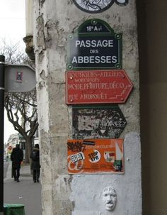 Le passage des Abbesses (Paris 18ème) Plus Paris Architecture, Beautiful Architecture, Paris Secret, Welcome To Paris, Paris Black And White, Montmartre Paris, Paris Shopping, Paris Ville, I Love Paris