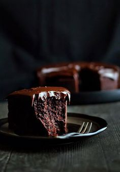 Chocolate Baileys Mud Cake.  http://cookiesonfriday.blogspot.com/2013/03/chocolate-baileys-mud-cake.html