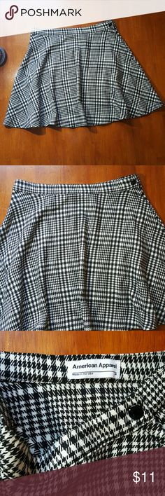 American apparel skirt Black and white plaid....63%polyester 34% rayon...16 inches American Apparel Skirts Midi