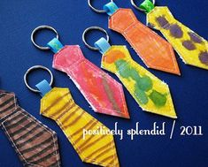 Necktie Key Ring Tutorial - Positively Splendid {Crafts, Sewing, Recipes and Home Decor} Diy Father's Day Gifts, Father's Day Diy, Anel Tutorial, Tie Template, Fathersday Crafts, Fused Plastic, Dad Day, Sewing Projects For Kids, Easy Projects
