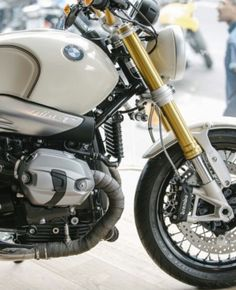 Cafe Racer Moto, Custom Cafe Racer, Cafe Racers, Nine T Bmw, Cafe Creme, Bmw Boxer, Cafe Bike, Retro Motorcycle, Bike Photo