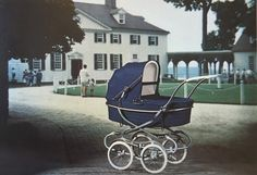Itkin 1966 Det Kgl. Bibliotek Småtryksamlingen Vintage Stroller, Vintage Pram, Prams And Pushchairs, Beautiful Babies, Kids And Parenting, Baby Strollers, Retro, Children, Prams