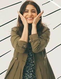 Bollywood Stars, Bollywood Fashion, Cute Girl Poses, Cute Girls, Virat Kohli And Anushka, Anushka Sharma, Kareena Kapoor, Katrina Kaif, Alia Bhatt