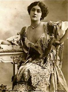 Sanctuaries, Dreams and Shadows: Lina Cavalieri - le Belle Epoque beauty and Italian Opera Star