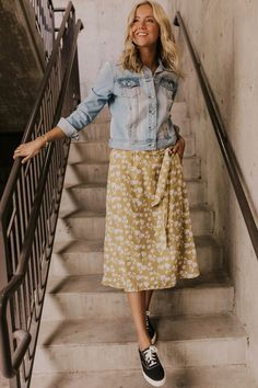 Thames Tie Midi Great women's modest floral skirt for summer, versatile, can be worn with heels or sneakers. Look for more women's trendy modest styles at Utah based boutique, ROOLEE! Modest Dresses, Modest Outfits, Modest Fashion, Fashion Outfits, Womens Fashion, Fashion Skirts, Modest Clothing, Fashion Ideas, Fashion Hats