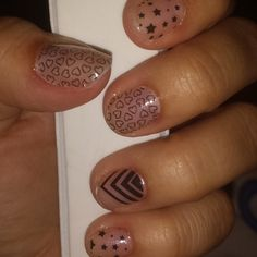 """My new favorite #jamicure!!! #CelebStatusJN #Jamazing #nailsofig #Jamberry""   arielmoore.jamberrynails.net"