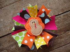 turkey bow it would b cute if u made the centerpeice Velcro and u could switch them out