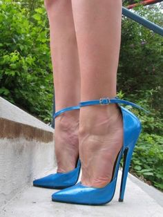 If you like blue very high heels with narrow ankle strap, you should really love. Extreme High Heels, Very High Heels, Pink High Heels, Hot High Heels, High Heels Stilettos, High Heel Boots, Womens High Heels, Stiletto Heels, Blue Heels