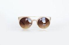 Óculos redondo degradê com aro dourado