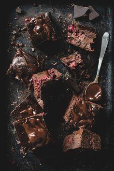 Brownies mit Beeren - dieses Schokokuchen-Rezept ist einfach nur himmlisch!!!