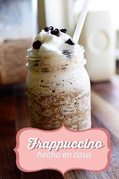 Empieza tu día de la mejor manera con un frappuccino como este. Receta aquí.