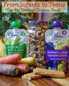 Tips for Feeding Organic Food from Infancy to Teens.  Yes, you CAN feed your kids healthy food with these simple changes! #sponsored