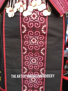 Hmong Sev Hand Embroidery Stitches, Cross Stitch Embroidery, Embroidery Patterns, Textile Patterns, Cross Stitching, Cross Stitch Designs, Cross Stitch Patterns, Tattoos For Daughters, Graduation Stole