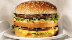 Funny pictures about Big Mac. Oh, and cool pics about Big Mac. Also, Big Mac photos. Kentucky Fried Chicken, Food Dishes, Main Dishes, Cuisine Diverse, Secret Recipe, Lunch Snacks, Food Porn, Food And Drink, Favorite Recipes