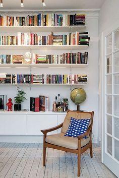 61 trendy home library scandinavian bookshelves Cool Bookshelves, Bookshelf Storage, Bookshelf Design, Book Shelves, Styling Bookshelves, Bookshelf Ideas, Book Storage, Bookcases, Storage Organization