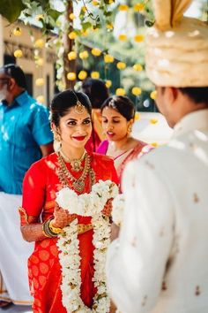A Gorgeous South Indian Wedding In Mysore And A Bride In A Stunning Crimson Kanjeevaram - Radha - internationally inspired South Indian Silk Saree, South Indian Wedding Saree, South Indian Bridal Jewellery, Indian Wedding Wear, Indian Wedding Photos, South Indian Weddings, Indian Wedding Photography, Saree Wedding, Indian Wear