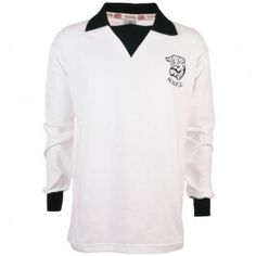 Hereford United 1970s Retro Football Shirt Hereford United 1970s Retro Football Shirt. This vintage shirt was worn between 1971 and 1975. In 1971 they drew 2-2 with Newcastle in the FA Cup Third Round, and then won the replay at Edgar Street 2 http://www.MightGet.com/may-2017-1/hereford-united-1970s-retro-football-shirt.asp
