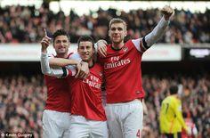 Arsenal Celebrate vs Sunderland 2013-2014.