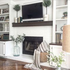 81 Awesome Farmhouse Fireplace Design Ideas To Beautify Your Living Room – Far. - 81 Awesome Farmhouse Fireplace Design Ideas To Beautify Your Living Room – Farmhouse Room - Fireplace Bookshelves, Fireplace Built Ins, White Fireplace, Farmhouse Fireplace, Fireplace Remodel, Fireplace Design, Fireplace Ideas, Fireplace Modern, Fireplace Hearth Decor
