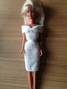 Fashion doll off the shoulder dress pattern by Maz Kwok