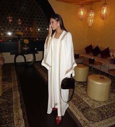 Tonight at MAC Cosmetic's Suhoor wearing ✨ Arab Fashion, Dubai Fashion, Muslim Fashion, Look Fashion, Fashion Outfits, Fashion Design, Mode Abaya, Mode Hijab, Modest Fashion Hijab