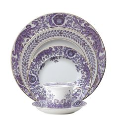 Versace Le Grand Divertissement 5 Piece Place Setting Plates New Authentic Rosenthal Versace, Coffee Cup Set, All Things Purple, Purple Stuff, China Dinnerware, Dinnerware Sets, China Patterns, Place Settings, Crystals