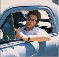 James Franco in James Dean Beautiful Boys, Pretty Boys, Beautiful People, Franco Brothers, Looks Hip Hop, Man Crush, Hot Boys, Cute Guys, Pretty People