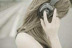 Música e poesia diminuem dor de pacientes com câncer. Leia mais: http://blogetcetera.com.br/2016/11/15/musica-e-poesia-diminuem-dor-de-pacientes-com-cancer/