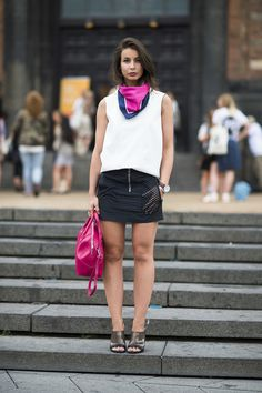 e0541e0f292f Coordinating pink bright pink accents add up to a big win here. Source  Le