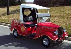 Firefighter golf cart man my daughter would flip Gas Golf Carts, Golf Carts For Sale, Custom Golf Carts, Nissan Gt R, Golf Humor, Car Humor, Funny Golf, Golf Cart Bodies, Electric Golf Cart