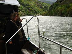 Passeio de barco pelo Rio Douro - Porto. Portugal