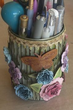 Pushing The Right Buttons: A Pot of Butterflies...upcycle a tin can into a pretty pencil holder