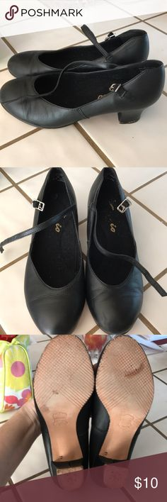 Character shoes for performances/dance Capezio black leather upper character shoes in size 7.   Daughter wore them for The Nutcracker three years ago and have been unused since. She now doesn't fit in them.  1 - 1/2 inch heel. Capezio Shoes Heels