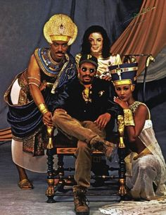 Remember The Time Cast & Director Eddie Murphy, Michael Jackson, John Singleton & Iman.the were great to black folk! Michael Jackson, The Jackson Five, Jackson Family, Afro, Hip Hop, Eddie Murphy, Remember The Time, The Jacksons, Actrices Hollywood