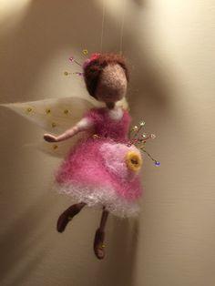 Nadel Filz Waldorf inspirierte Fairy Kleine von DreamsLab3 auf Etsy
