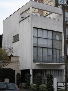 Glazen Huis (1935) La Maison de Verre, Uccle (Bruxelles) Architecte Paul-Amaury Michel.