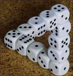thumbs_dices_optical_illusion.jpg