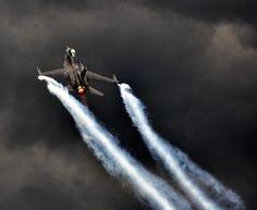 F16 climbing