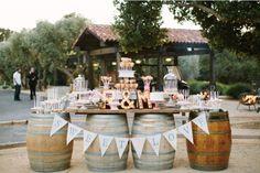 Un dessert bar per matrimonio country chic