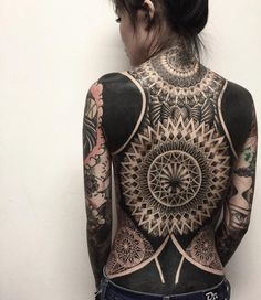 31 Next-Level Tattoos That Will Make You Stare In Awe