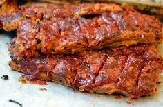 """BBQ jackfruit ribs - My husband has been vegetarian for over 15 years, yet he still answers """"ribs"""" when asked his favorite food. Last year for Father's Day I made him these juicy, chewy, meaty jackfru… Vegan Foods, Vegan Vegetarian, Vegetarian Recipes, Cooking Recipes, Healthy Recipes, Vegan Meals, Vegan Soul Food Recipes, Yummy Recipes, Vegan Loaf"""