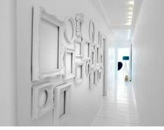White decorating ideas, white paint colors and white picture frames add a lot of light to wall decoration ideas, creating brighter room design and decor Empty Picture Frames, Empty Frames, Old Frames, White Frames, Vintage Frames, Empty Wall, Picture Wall, Antique Frames, Cheap Frames