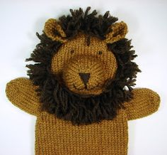 Auntie Em's Studio: A herd of animal puppets Knitting Blogs, Easy Knitting Patterns, Knitting Projects, Baby Knitting, Knitted Baby, Crochet Lion, Crochet Dolls, Knitted Animals, Needle Felted Animals