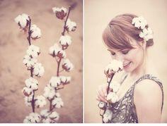 winterliches blumen haarkranz brautshooting 0033 Fotos Anja Schneemann photography Blumen Milles Fleurs VISAGISTIN UND MODEL: Christina Nietert Coton # Baumwolle # Haarkranz # Winter # Wedding