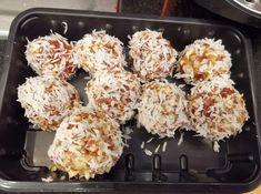 Dattelnusspralinen Krispie Treats, Rice Krispies, Desserts, Food, Coconut Flakes, Chocolate Candies, Essen, Tailgate Desserts, Deserts