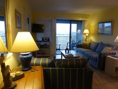 Hilton Head Resort Vacation Rental - VRBO 90089 - 2 BR Folly Field Condo in SC, Fall Weeks Great Rates Ocean Views Scrned Balcony Free Secure Wifi Bldg 1