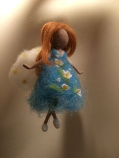Little Fairy ... It can be different: the color of the dress, hair color ... Since the skeleton dolls of metal thread and arms and legs are foldable,