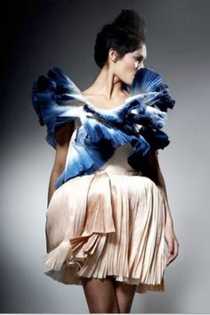 Couture felicity brown silk dress Worn once for a red carpet thing - absolutely beautiful Felicity brown Dresses Felicity Brown, Fashion Articles, Retro Outfits, Cute Fashion, Fashion Fashion, Beautiful Outfits, Gorgeous Dress, Silk Dress, Dress Collection